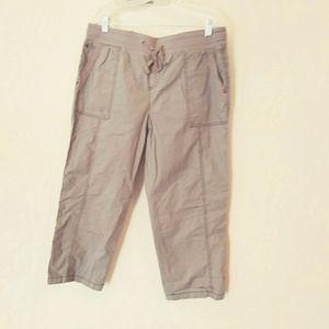 Classic Khakis & Company capri pants NWT
